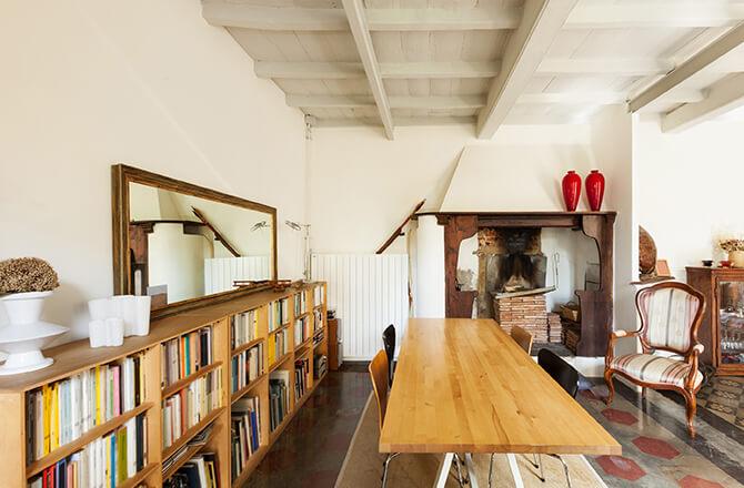 Revêtement pour plafond : peinture et poutre