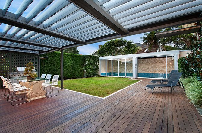 Couvrir une terrasse: la pergola bioclimatique
