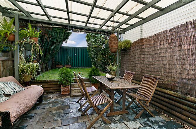 Couvrir une terrasse: la pergola couverte de polycarbonate