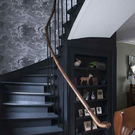 Déco cage d'escalier: papier peint