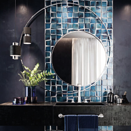 Salle de bain mosaïque bleu retro-futuriste