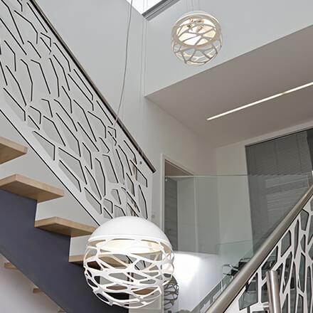 Déco cage d'escalier: harmonie moderne