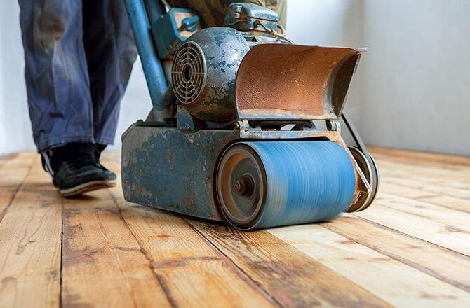 Vitrifier un parquet bois: Etape 1, le ponçage