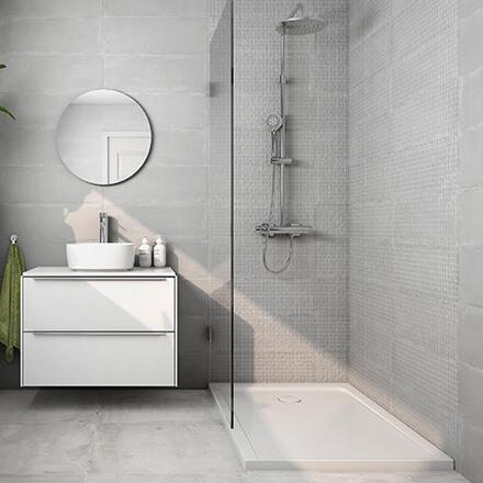 Salle de bain mosaïque grise ambiance zen