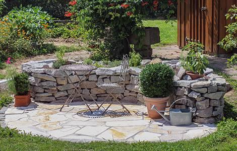 Construire une terrasse en pierre