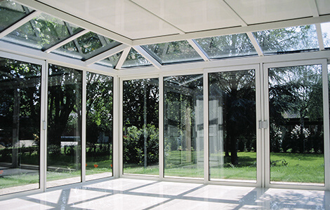 Extension latérale vitrée ou véranda