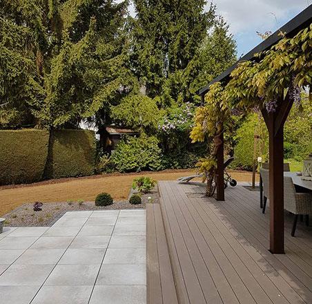 Terrasse en composite et carrelage