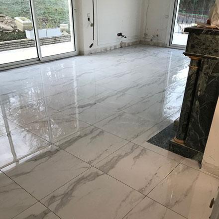 Carrelage marbre par Yannick F., EGB agréée  La Maison Saint-Gobain