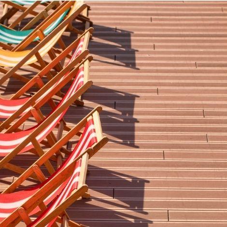 Lame de terrasse en bois composite Élégance, finition rainurée