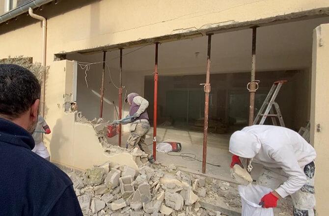 Ouverture mur pour terrasse maçon