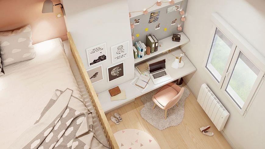 Une chambre d'adolescente aux tons pastels avec un parquet clair