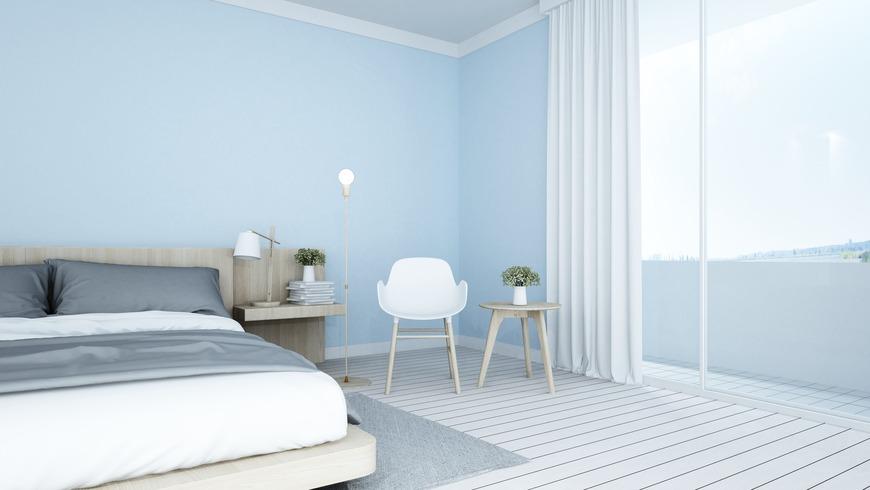 Une chambre apaisante bleu pastel et grise