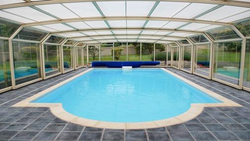 Une piscine avec abris pour prolonger l'été