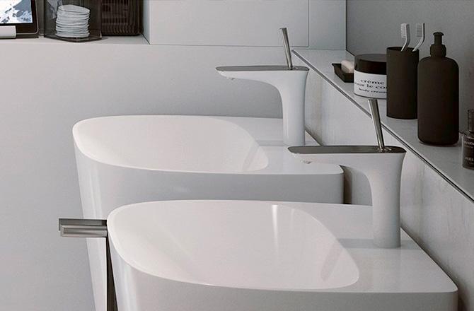 Des lavabos totem au design futuriste