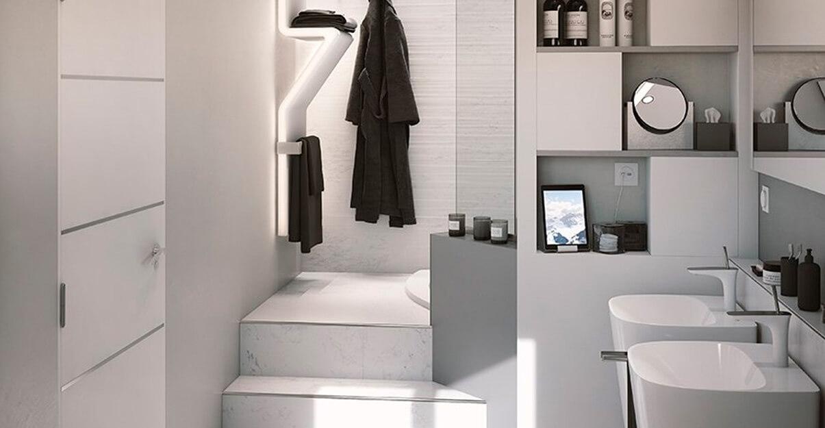 Une salle de bains contemporaine avec éléments en inox