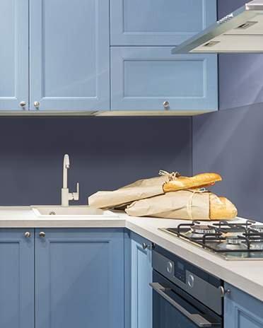cuisine bleue avec placards