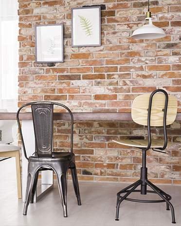 Style industriel - bureau avec chaises indus - Saint-Gobain.fr