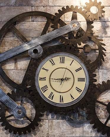 Style industriel - vieille horloge - Saint-Gobain.fr